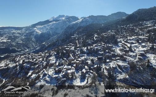 Χιονισμένα Τρίκαλα Κορινθίας βίντεο από ψηλά! 21/01/2016